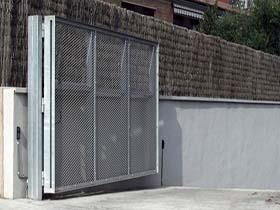 Serman puertas batientes con automatismos for Puertas batientes interior